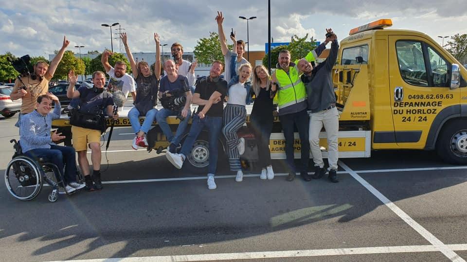 """photo du tournage de l'émission """"Make Belgium Great Again"""" de RTL sur le respect du stationnement PMR"""