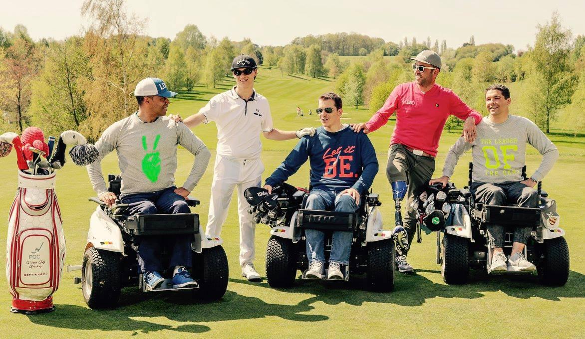 l'équipe des Belgian Red Heroes, des sportifs en situation de handicap qui pratiquent le golf